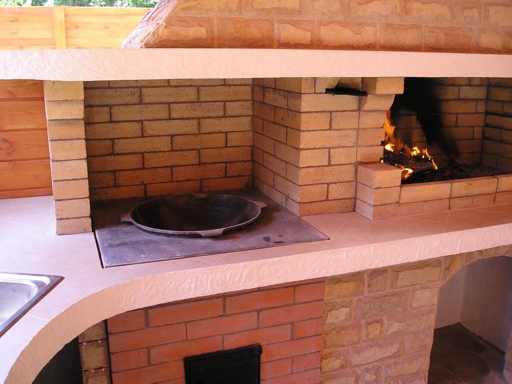 Печь для барбекю с печью для казана угловая своими руками